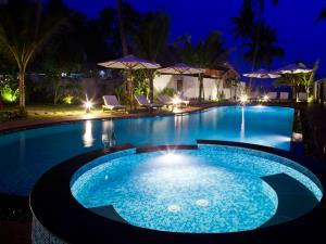Coral Sea Resort (Wind Flower Beach Boutique older)