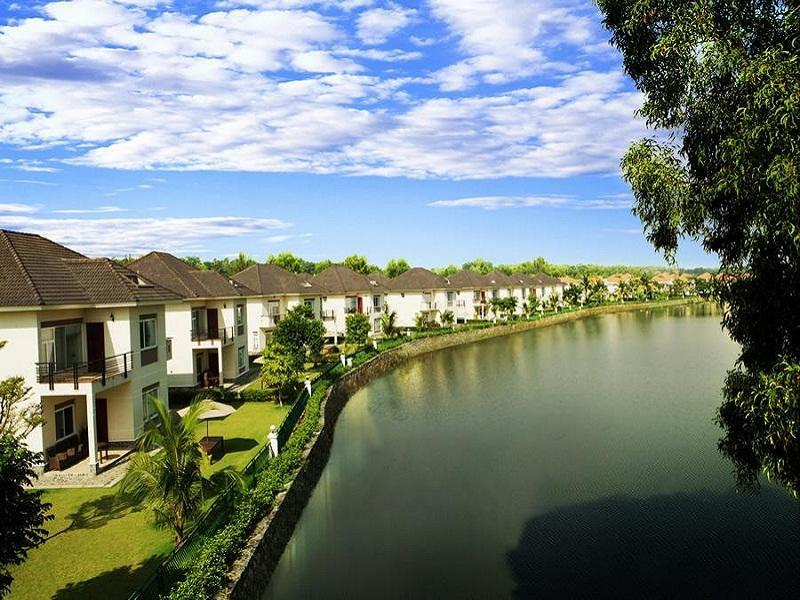 Khách sạn Lakeview Villas and Vietnam Golf Club