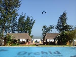 Phong Lan Resort (Orchid Beach Resort)